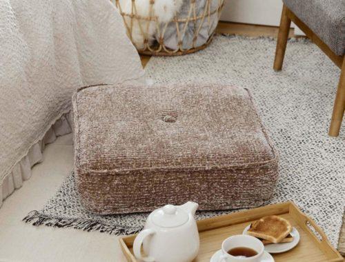 вязаная подушка пуфик