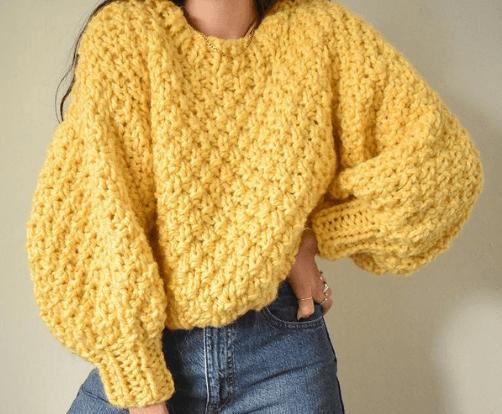 модный объемный свитер