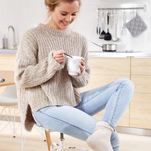 свитер резинкой с удлиненной спинкой