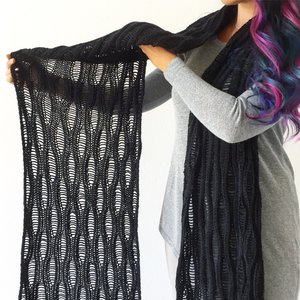 черный шарф спицами